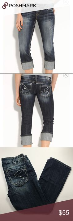 "[Silver Jeans] Santorini Crop Capri in Indigo Wash Santorini Cropped Capri by Silver Jeans. Excellent Condition. No Flaws. Super Cute! Size 31. Waist-31"" Inseam-26"" Length-36"" Rise-8"" Silver Jeans Jeans Ankle & Cropped"