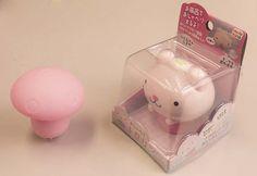 """""""Hello!! I'm Kinoko bath right!!""""『Oh! Let's play toghether.』They are friend of bath time. """"こんにちは!!""""私はキノコバスライトだよ!!『そっかぁ!!ボクと一緒に遊ぼうよ!!』お風呂のお友達です。"""