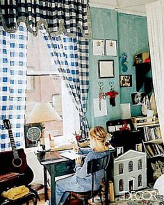 Welcome to a Jemima Kirke's bedroom, featuring a dollhouse, teeny guitar, and checkered curtains. Jemima, is that you in the jumbo hair clip and ribbed sweater? Teen Bedroom, Home Decor Bedroom, Master Bedrooms, Bedroom Ideas, Jessa Girls, Jemima Kirke, Elle Decor, Kids Playing, Childhood