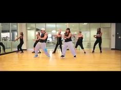An easy, fun & sensual reggaeton routine! I don't own the rights to the music. For entertainment only. If you like it, please feel free to share and use in y...