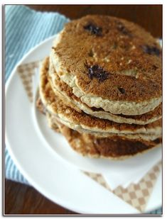 The Cooking Actress: Banana Oatmeal Blueberry Pancakes {Baby Led Weanin. Chocolate Chip Marshmallow Cookies, Mini Chocolate Chips, Mac And Cheese Homemade, Homemade Baby Foods, Roasted Garlic Butter Recipe, Low Fat Pancakes, Blueberry Oatmeal Pancakes, Banana Baby Food, Skillet Bread