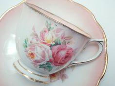 Royal Albert Vintage Fine Bone China Tea Cup door TheVintageFind1
