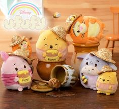 Winnie The Pooh Decor, Cute Winnie The Pooh, Winnie The Pooh Friends, Disney Tsum Tsum, Disney Plush, Disney Toys, Kawaii Plush, Cute Plush, Disney Themed Bedrooms