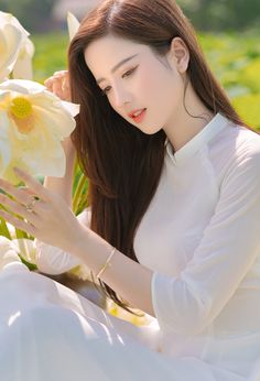 Lovely Girl Image, Cute Girl Photo, Beautiful Chinese Girl, Beautiful Asian Women, Ao Dai, Beautiful Girl Wallpaper, Vietnam Girl, Beauty Full Girl, Sexy Asian Girls