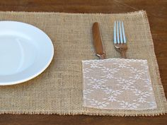 burlap placemats with lace napkin/silverware holder