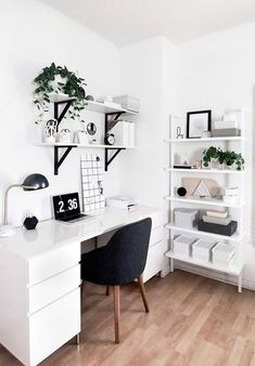 Minimalist Desk, Minimalist Home Decor, Minimalist Interior, Minimalist Bedroom, Minimalist Style, Bedroom Desk, Room Ideas Bedroom, Diy Bedroom, Bedroom Shelves