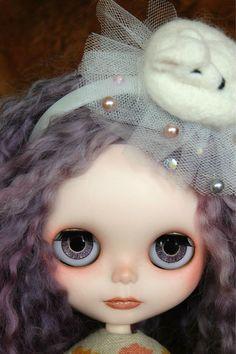 Reserved for Kathleen OOAK Custom Blythe Art Doll par CupcakeCurio