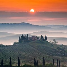 travelingcolors: Tuscan Sunrise | Italy (by Tomáš Morkes)