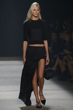 Narciso Rodriguez RTW Spring I want this! Runway Fashion, Fashion Show, Fashion Design, 2014 Fashion Trends, High Fashion Dresses, Fashion Images, Passion For Fashion, Autumn Winter Fashion, Catwalk