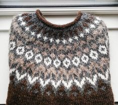 I knitted this icelandic sweater for my boyfriend who loves to go sailing. Think it will keep him warm when he is on the sea ❤ see link to… Sweater Knitting Patterns, Knitting Stitches, Baby Knitting, Crochet Woman, Knit Crochet, Icelandic Sweaters, Nordic Sweater, Fair Isle Knitting, Girls Sweaters