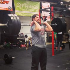 This dude @grlwood hit a long awaited Power Clean PR last night! New PR's aren't as easy when you have been weightlifting as long as Garrett but don't get discouraged make some tweaks clean it up a little and keep practicing. Nice work Garrett! #CrossFit #oklahomacity #okc #crossfitlandrush #pr #powerclean #showponies @crossfitlandrush #edmond #piedmont