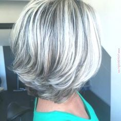 Gray Hair Highlights and Lowlights Growing Out - Bing Grey Hair Wig, Silver Grey Hair, Blonde Hair, Long Gray Hair, Medium Hair Styles, Short Hair Styles, Grey Hair Styles, Mom Hairstyles, Layered Hairstyles