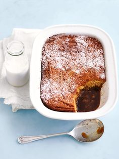 Self-saucing puddings are surely one of winter's great treats! So, prepare to get cosy with this decadent self-saucing caramel pudding. Sweet Desserts, Sweet Recipes, Delicious Desserts, Yummy Food, Winter Desserts, Baking Recipes, Dessert Recipes, Ww Recipes, Self Saucing Pudding