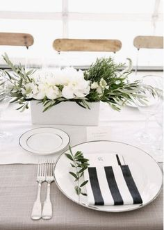 Wedding Chair Sashes, Wedding Napkins, Wedding Chairs, Wedding Table, Garden Wedding, Burlap Tree Skirt, White Napkins, Modern Napkins, Cotton Napkins