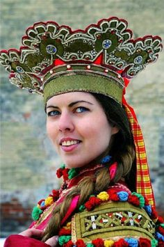 """Traditional headdress of an unmarried girl from Shenkursk Region, Arkhangelsk Province, Russia. It is called """"Corona"""". Modern work according to the fashion of the 19th century. #Russian #folk #national #costume"""