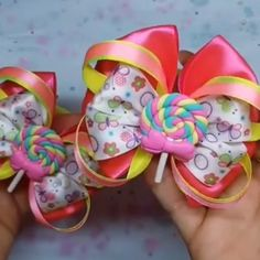 How To Make A Flower Loop Hair Bow - Jack skellington or Sally colors?Learn how to create a fun Flower Loop Hair Bow with lots and lots of layers of gorgeous ribbon. Ribbon Hair Bows, Diy Hair Bows, Diy Ribbon, Ribbon Crafts, Homemade Hair Bows, Ribbon Headbands, Hair Bow Tutorial, Boutique Hair Bows, Making Hair Bows