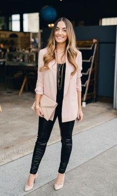Love the blazer and all black look without leather. Cute casual chic blazer outfits for work spring & summer 2017 1 Blazer Outfits For Women, Blazers For Women, Semi Formal Outfits For Women, Types Of Blazers, Ladies Blazers, Casual Chic Outfits, Casual Blazer Women, Business Casual Outfits, Professional Outfits