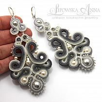 433 kolczyki sutasz Lianna Anna Lipowska pinned from Anne Weaver Boho Jewelry, Jewelry Crafts, Beaded Jewelry, Jewelery, Handmade Jewelry, Women Jewelry, Soutache Necklace, Beaded Earrings, Soutache Tutorial
