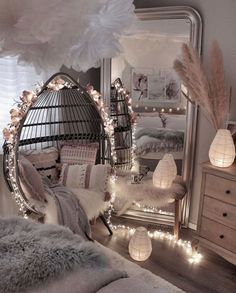 Interior Design Career - Should You Go For Design Firms Or Self Employment? Cute Bedroom Decor, Bedroom Decor For Teen Girls, Cute Bedroom Ideas, Girl Bedroom Designs, Room Ideas Bedroom, Teen Room Decor, Stylish Bedroom, Awesome Bedrooms, Bed Room