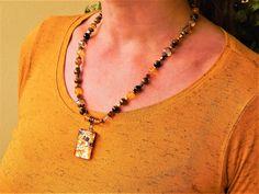 "Collier ""Energie et courage"" des pierres et verre murano avec pendentif oriinal Murano, nuances jaune , marron. Agate Pierre, Courage, Bracelet, Jewelry, Fashion, Chill Pill, Shades, Glass Beads, Yellow"