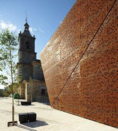 Frontn cubierto en AJANGIZ Vizcaya, Gernika-Lumo, 2011 - blur arquitectura