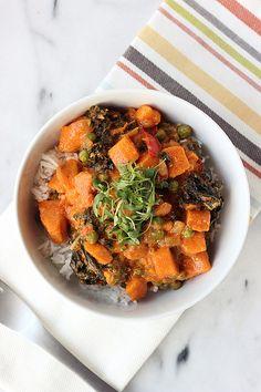 30-Minute Sweet Potato and Kale Coconut Curry {Gluten-free, Vegan, Paleo} http://tasty-yummies.com/2014/04/29/30-minute-sweet-potato-and-kale-coconut-curry/?utm_content=bufferb4d9d&utm_medium=social&utm_source=pinterest.com&utm_campaign=buffer // Beth Manos Brickey // http://tasty-yummies.com/?utm_content=buffer2b511&utm_medium=social&utm_source=pinterest.com&utm_campaign=buffer