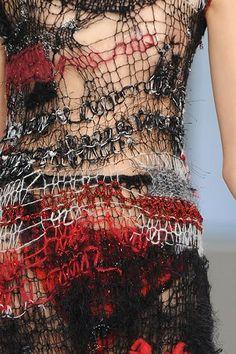 Rodarte Fall 2008 Ready-to-Wear Collection - Vogue Fashion Mode, Fashion Art, Fashion Show, Fashion Design, Fashion Trends, Knitwear Fashion, Knit Fashion, Textiles, Design Textile