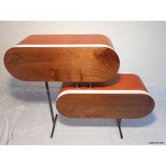 Pièce unique :  meuble design avec façades des tiroirs en noyer français, gainage en collet de vache tanné végétal, pieds en acier verni.Visible sur Vannes. Plus de photos sur demande.