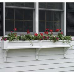 idea for window box design;  excellent, only taller/deeper