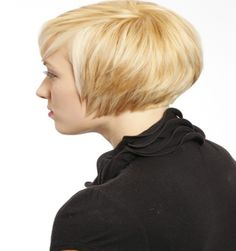 30 Attrative Short Straight Hairstyles and Haircuts in 2019 - Short Bob Cuts Haircut For Square Face, Square Face Hairstyles, Face Shape Hairstyles, Curly Bob Hairstyles, Straight Hairstyles, Cool Hairstyles, Hairdos, Short Straight Hair, Short Hair Cuts