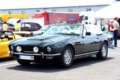 Why you so beautiful Aston Martin V8 Volante?