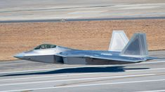 YF-22 Skids For A Mile Due To Software Error | World War Wings Videos