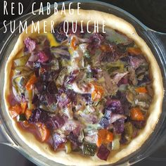 Red cabbage colourful summer quiche recipe Pie Mold, Vegetable Seasoning, Quiche Recipes, Red Cabbage, Vegetable Pizza, Easy Meals, Healthy Recipes, Stuffed Peppers, Dishes