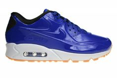Exclusive Nike Air Max 90 for men, in the new variant VT. Limited in stock. The blue colored plastic portion is reflective.