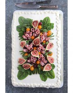 Voileipäkakku Party Sandwiches, Sandwich Cake, Savoury Baking, Savoury Cake, Appetizer Buffet, Food Carving, Salty Foods, Western Food, Xmas Food