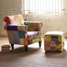 origineller Sessel mit mehreren Farben
