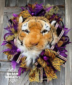 Football Wreath, Spring Front Door Wreaths, Homecoming Mums, Tulle Wreath, Deco Mesh Wreaths, Summer Wreath, Home Deco, Burlap, Floral Design