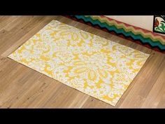 Looking for Sewing projects? Visit Hobby Lobby for Sew This Bedroom: Rug Video project details. Diy Projects Videos, Diy Sewing Projects, Sewing Crafts, Sewing Ideas, Fabric Rug, Fabric Painting, Rug Binding, Diy Roman Shades, Vinyl Rug