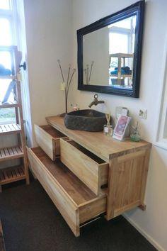 Wij denken dat onze klanten deze wastafels kunnen waarderen als iets wat wij kunnen leveren, naast onze standaard teak meubels? In principe maken wij deze mooie wastafels op maat, maar we hebben ook een standaard model op voorraad staan. Ook de handdoekrekjes hebben wij staan.. > wortman meubelen