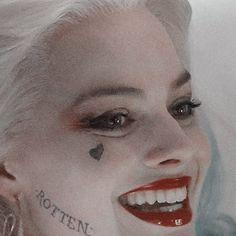 we are made of stardust Arlequina Margot Robbie, Margot Robbie Harley Quinn, Batwoman, Batgirl, Bb Reborn, Hearly Quinn, Dc Characters, Joker And Harley Quinn, White Aesthetic