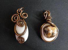 colgantes de piedras naturales, engarzadas con alambre de colores  piedras naturales,alambre de aluminio,perlas sinteticas hecho a mano