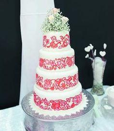 Pollera Cake