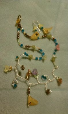 Lucite Flower Bead Necklace