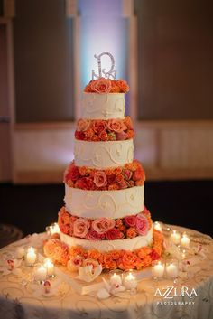 wedding-cake-with-coral-peach-flowers.JPG