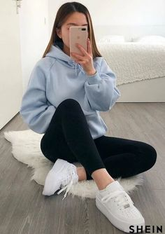 Cute Outfits With Leggings, Cute Lazy Outfits, Retro Outfits, Stylish Outfits, Casual School Outfits, Casual Outfits For School, Winter School Outfits, Simple Outfits For Teens, Lazy School Outfit