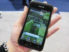 Testa prodotti: Toshiba, lo smartphone per mille esigenze