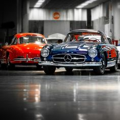 Mercedes Benz #300SL. Red vs. Blue. Seen on: http://instagram.com/p/u_fkZhy3gj/?crlt.pid=camp.u2NGEqNpf8aM