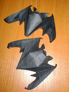 {Halloween} Lafosse's origami happy good luck bat can be made to fly or hang