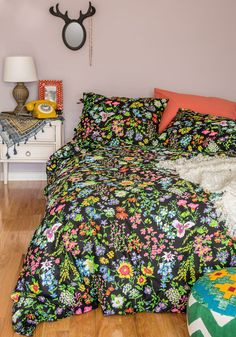 A Good Brights Sleep Duvet Cover Set in Queen. You wont need the sunshine streaming through your window to wake you each morning when you have the bright bouquets of this floral duvet cover set on your bunk! #multi #modcloth