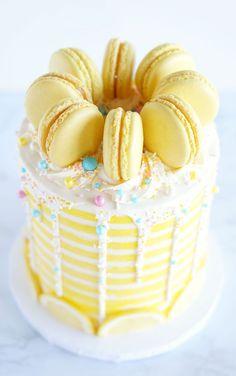 Banana and pecan cake - HQ Recipes Cupcakes, Cupcake Cakes, Cake Pops, Lemon Birthday Cakes, Macaroon Cake, Macaroon Filling, Lemon Layer Cakes, Lemon Cakes, Curd Recipe